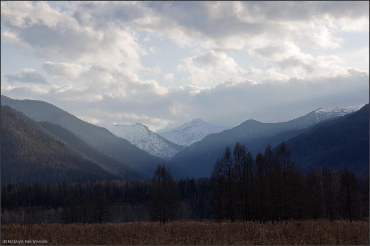 Катунский хребет и Колбан на закате