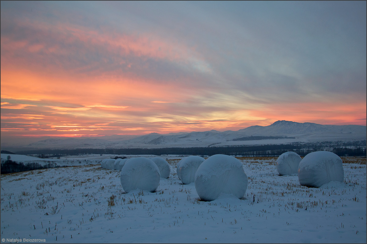Закат в предгорьях Алтая