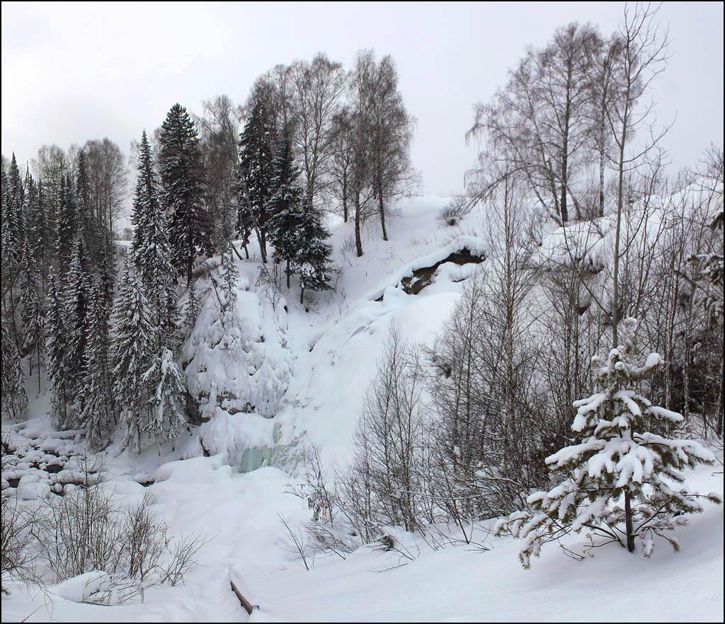 Зимний Пещерский водопад