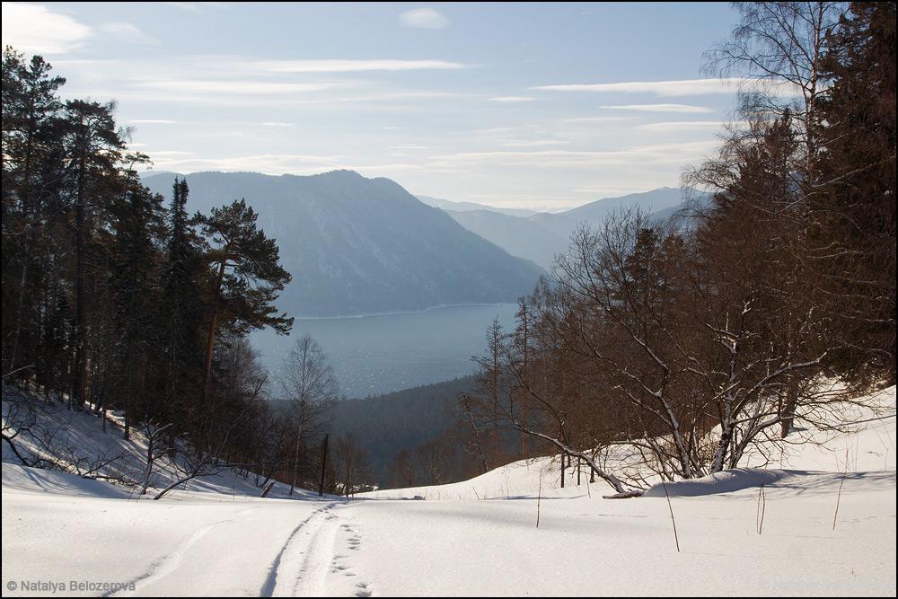 Телецкое озеро с перевала Клык