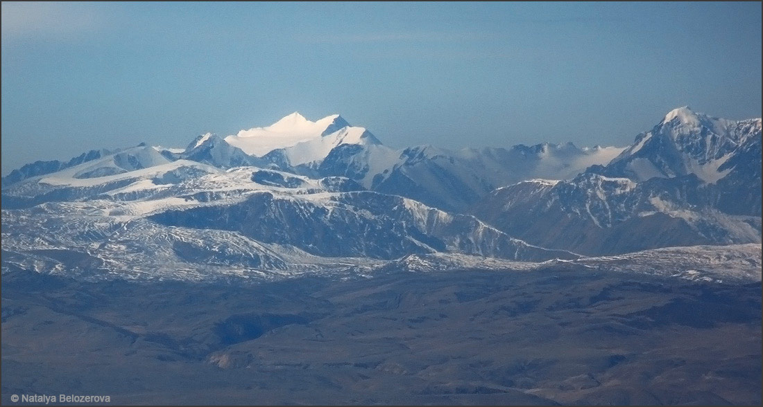 Северо-Чуйский хребет с вершины Сайлюгем. Хребет Чихачева