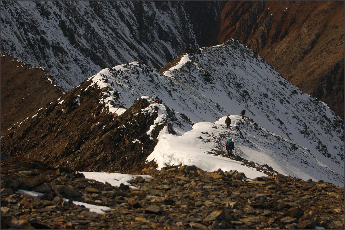 Гребень к вершине Талдуайр. Хребет Чихачева