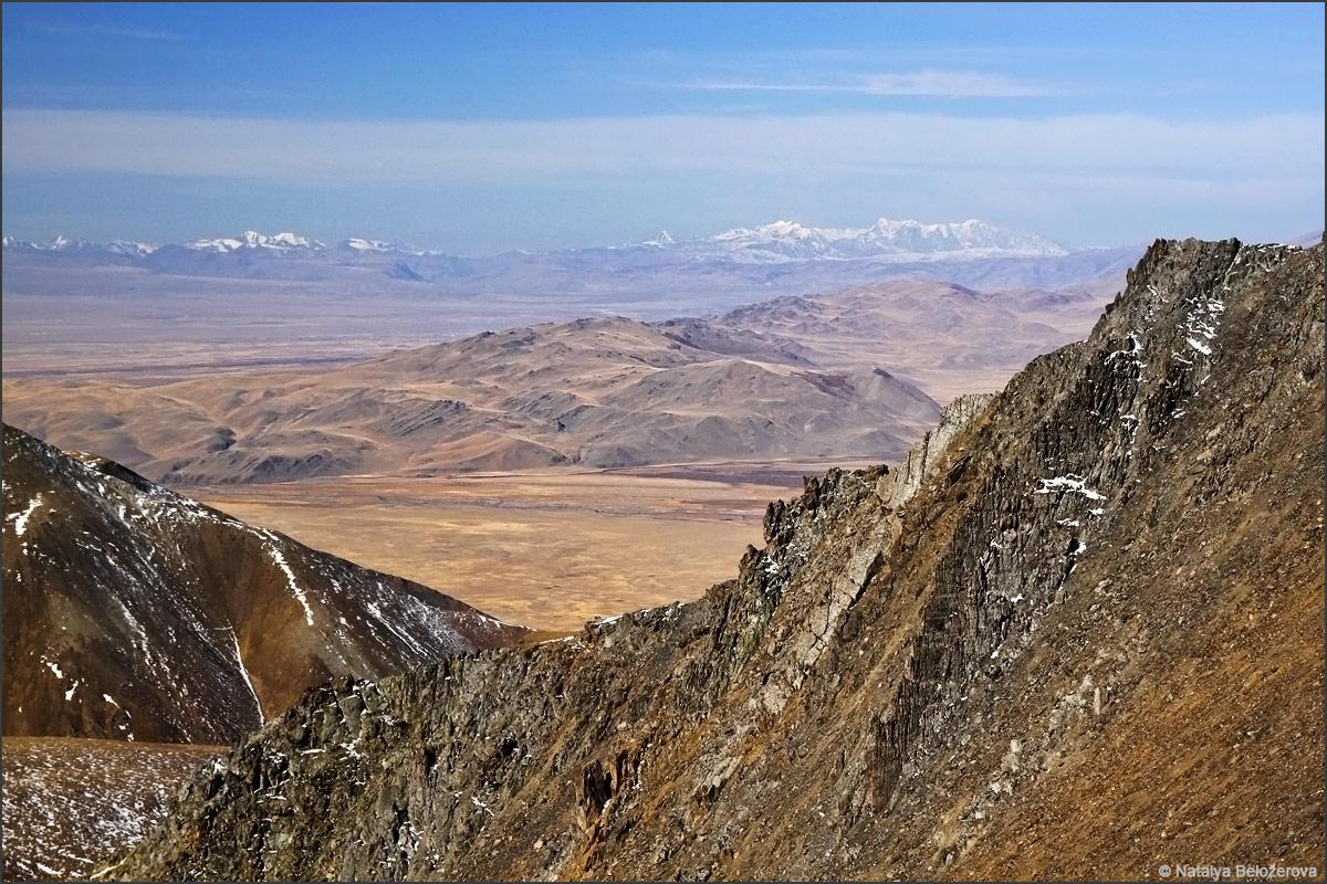 Чуйская степь с подъема на вершину Сайлюгем