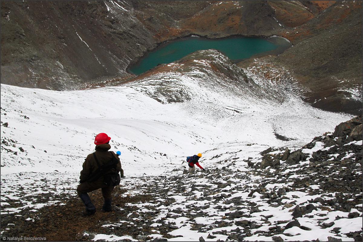 Спуск к озеру под вершиной Талдуайр