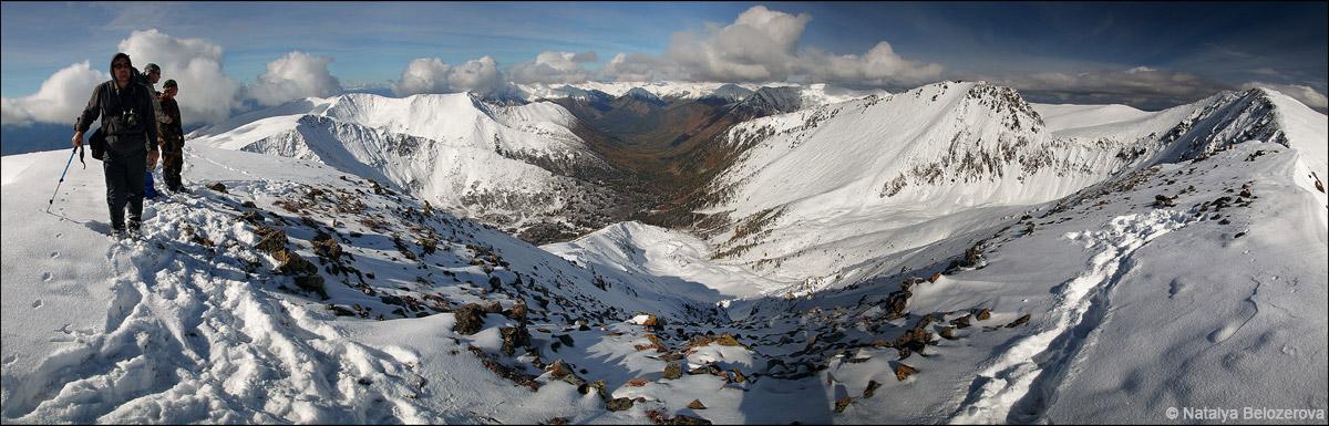 Долина Кызыл-ютук с гребня близ вершины Кызыл-кую