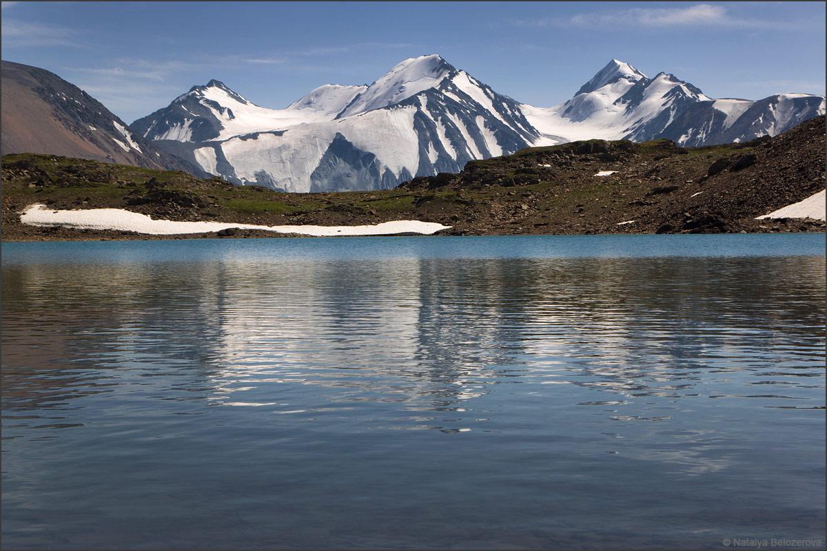 Талту Западная и Металлург над озером Паспалагаиоюк
