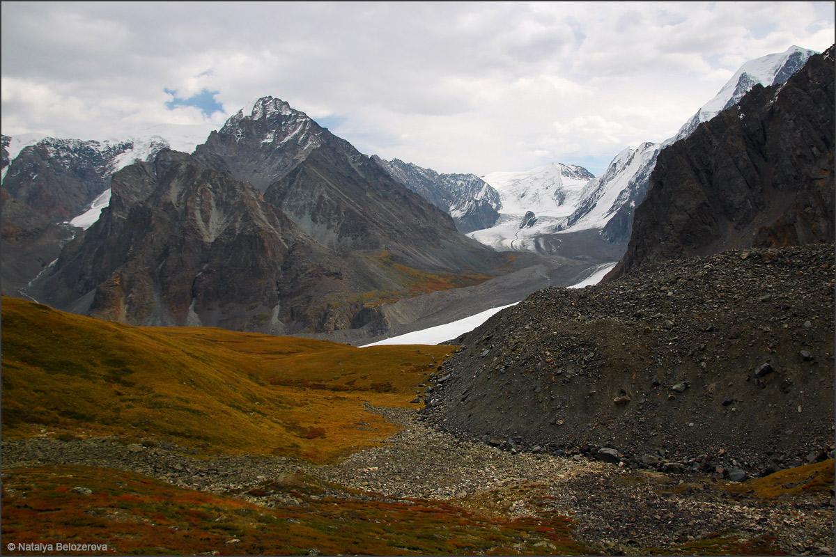 Долина Мажоя с подъема к перевалу Нижнешавлинский