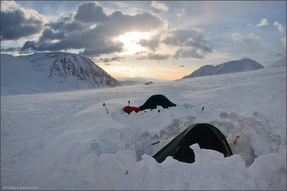 Лагерь под ледником Водопадный