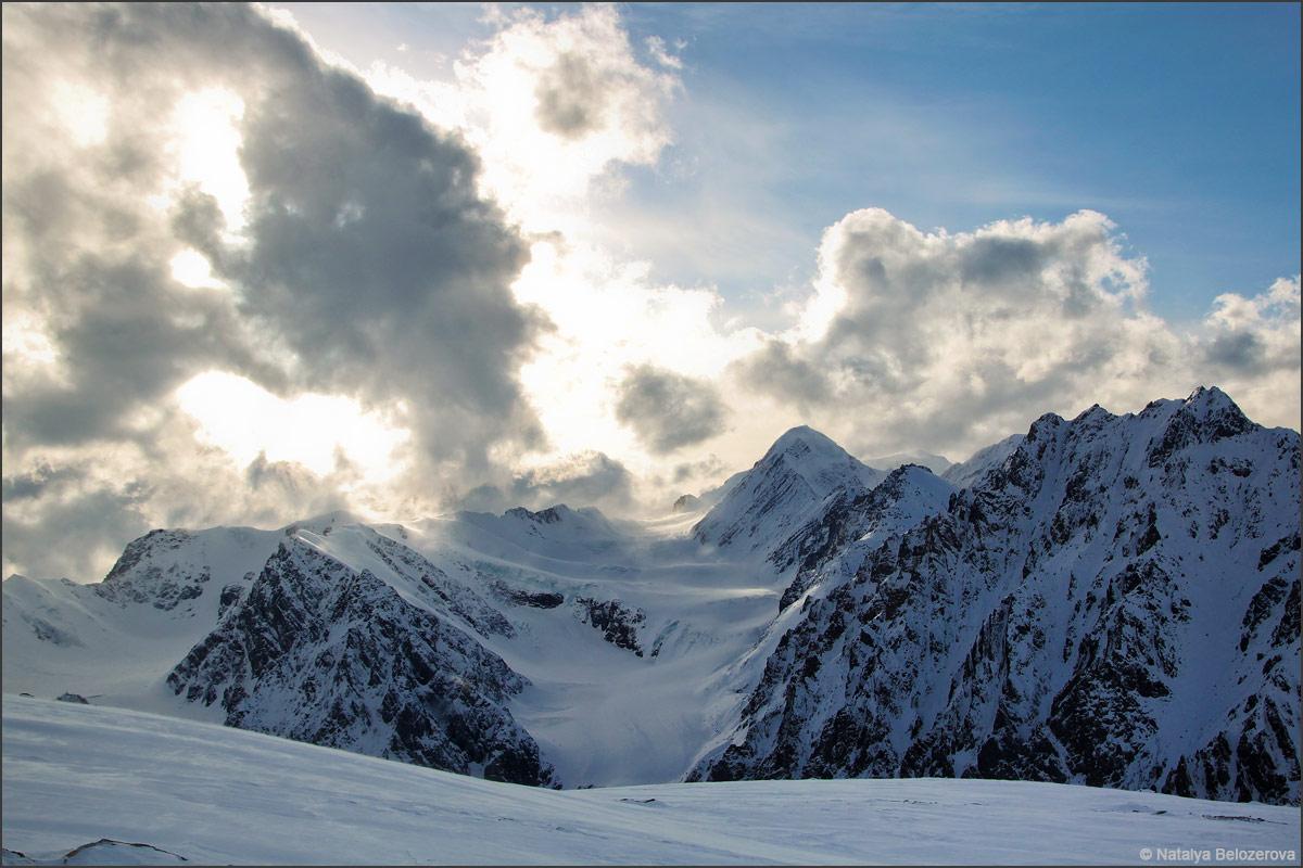 Закат над Актру с ледника Водопадный