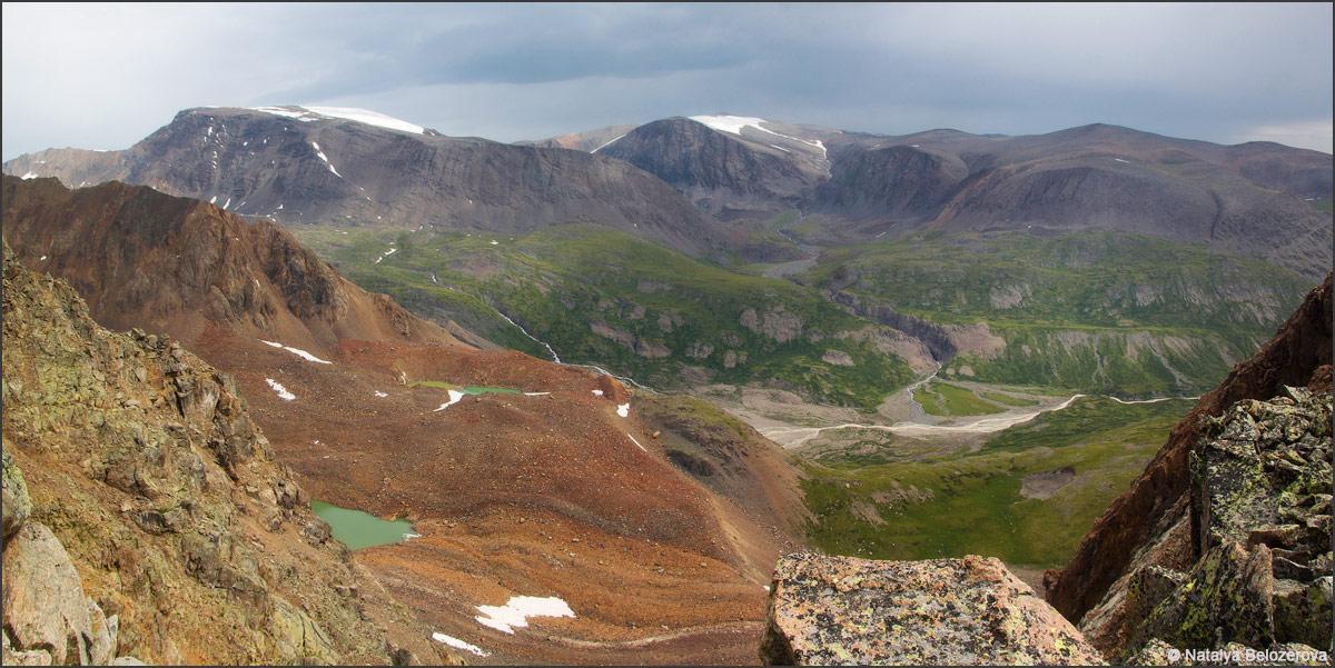 Долина Джело с перевала Эренбурга