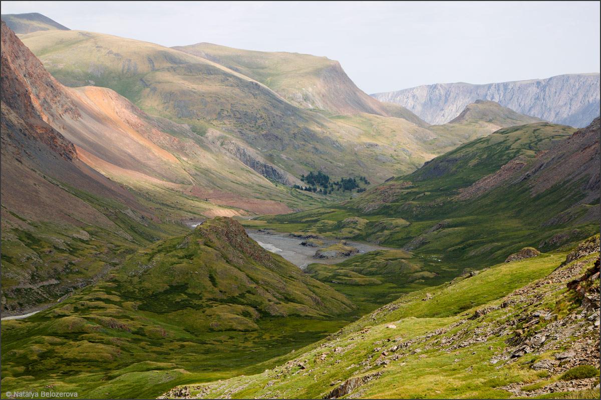 Долина Джело на спуске с перевала Эренбурга