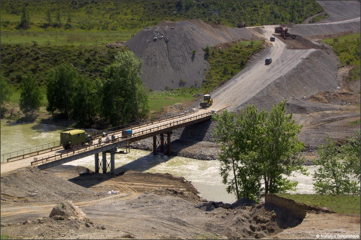 Новый мост в устье Чуи в Инегень