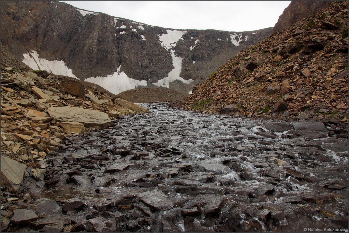 Ручей с перевала Эренбурга в Джело